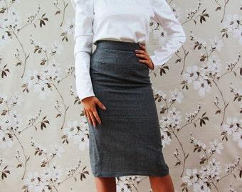 Women knee length gray tweed skirt, office wear, busienss clothes, pencil skirt, tweed skirt, checkered skirt, gray plaid skirt