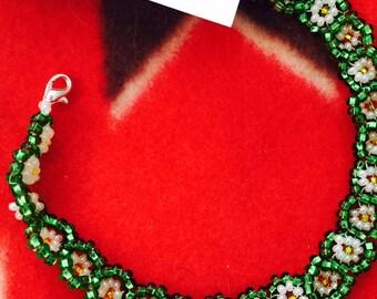 Native American Lakota Sioux Beaded Bracelet, Daisy Pattern