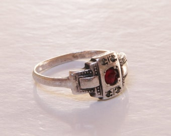 Art Deco red glass garnet and crystal 800 silver ring / Art Deco ring / architectural ring / art deco 800 silver ring