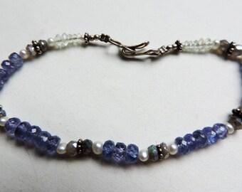 Bracelet in Silver 925 with tanzanite, pearls, labradorite and aquamarine