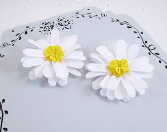 "Daisy Hair Clips, White Hair Clips,  3"" Daisy Hair Bows, Toddler Hair Clips, Toddler Flower Clip, White Daisy Bows, Girls Flower Clips"