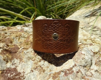 brown leather cuff/southwestern leather cuff/upcycled leather cuff bracelet/rustic distressed cuff/embossed leather cuff/womans cuff/C183