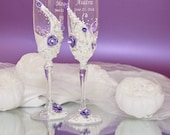 Wedding glasses White & Silver Champagne flutes with roses Wedding flutes Bride and groom champagne glasses Hand painted glasses mr and mrs