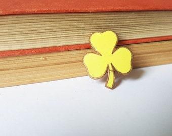Vintage yellow enamel trefoil pin - girl guides, guides pin, guides badge, enamel pin, yellow enamel pin, yellow brooch, yellow pin