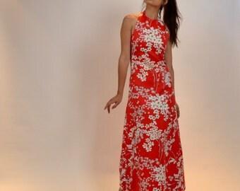 1960s Hawaiian Print Halter Maxi Dress