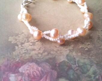 Beaded freshwater pearl bridal bracelet, classic wedding bracelet, cream peach pearl wedding bracelet, romantic wedding, bridesmaid bracelet