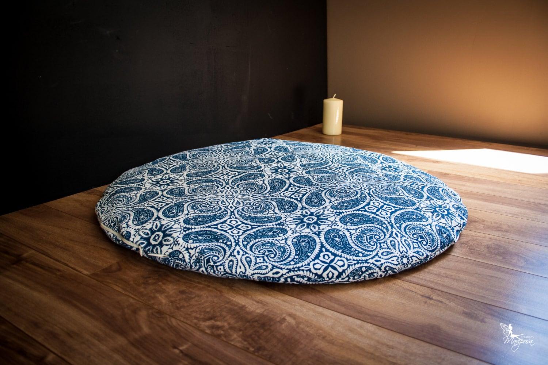 Round Zabuton Meditation Mat Floor Cushion Blue Mandala