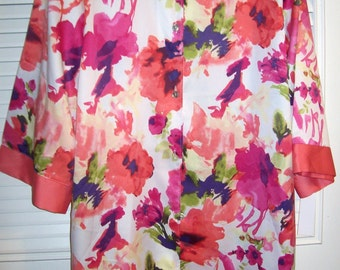 Vintage Cruz by Natori Robe, Travel Find, Equisite Colors and Design Size M-L