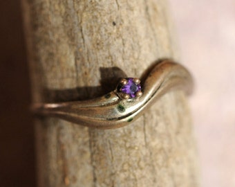 vintage amethyst and sterling silver wavy ring size 6.5