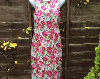 Vintage wiggle dress UK 14 US 10 EU 42, Marks & Spencer stretch cotton sheath dress, roses chintz.