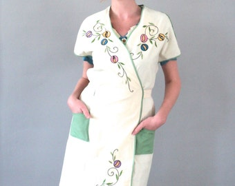 1930s Hand Embroidered Wrap Smock