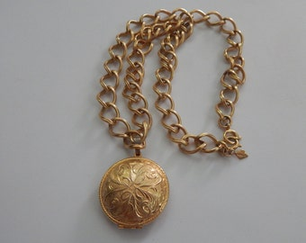 Vintage Gold Locket Necklace Sarah Coventry Chain Gold Tone Locket Pendant Necklace