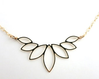 Leaf Necklace , 7 Leaf Necklace, Gold Leaf Necklace, Leaf Charm, Bridal Necklace, Romantic Necklace, Valentine Gift, Bridesmaid Gift