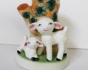 Retro kitsch 1950s lamb vase - ceramic