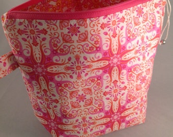 Knitting Project Bag with zipper Pink White Tile Print