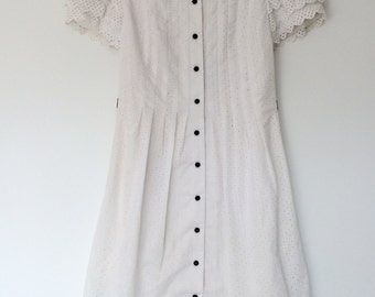 Vintage White Eyelet Dress (S/M)