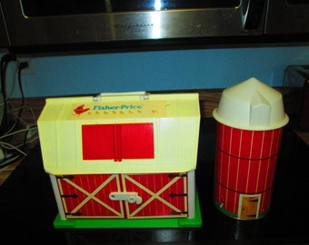 Vintage Fisher Price Farm Silo and Little people Animals vehicles Very nice condition 1986