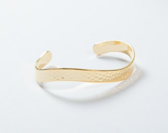 NEW rush hammered adjustable gold, shiny finish, tackle high quality