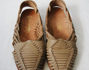 Vintage tan leather huarache sandals, size 6 1/2