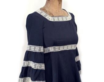 Adorable 70's mini Dress