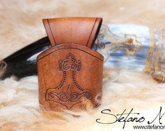 UNIQUE - Might - Norse drinking horn and horn-holder