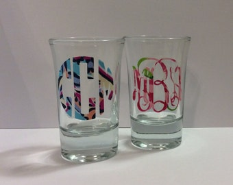 Adorable monogrammed, Lilly inspired custom shot glasses! Great for a bachelorette party, girls night, or 21st birthday party favor, so fun!