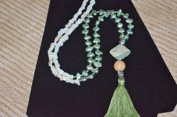Necklace Pearls & Tassel, Fresh Water Pearl Necklace, Green Tassel Necklace, Green Pearl Necklace, Pearl and Shell Necklace, Tassel Necklace