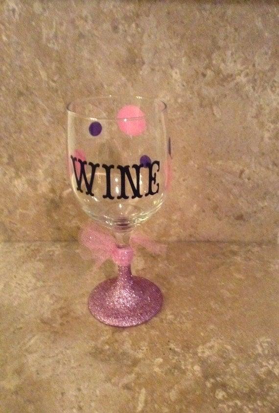 Diva wine glasses wine glass diva diva wine pink glittered - Funny wine glasses uk ...