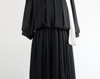 Vintage Dress // Black&White // Pleated
