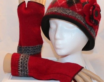 100% Wool Reycled Sweater Cloche Hat in Red & Black Lined with Detachable Pin