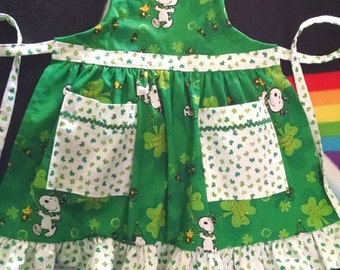 Girls Apron with Ruffles and Pockets Girls St. Patricks Day Apron Snoopy Apron