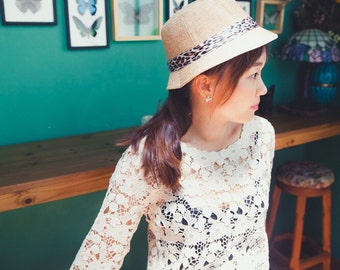 """Cream Lace Top. Long Sleeve Lace Top. Hand-Sewn. Bust 36"""" Length 20"""" Ships Worldwide."""