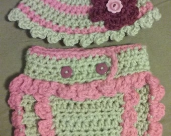 scalloped hat and diaper cover set