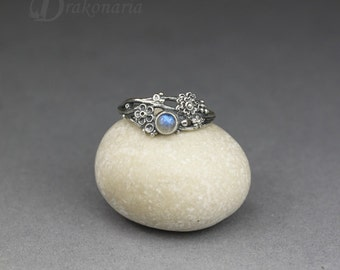 Twig ring - labradorite in silver, sculpted flowers and twigs, limited collection