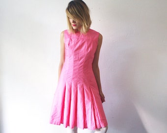 SALE...60s mini dress. pink skater dress. pleated dress - small to medium