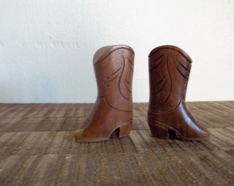 Vintage Wood Cowboy / Cowgirl Boots Salt and Pepper Shakers