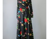 Vintage 70s Maxi Dress - Long Black Floral Dress - Hippie Dress - Long Sleeve Wrap Dress - Asian Style Bohemian Dress - 1970s Maxi dress M/L