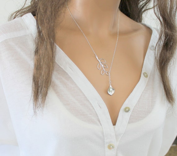 Silver Leaf Lariat Necklace, Calla Lily Pendant, Wedding Jewelry, Bridesmaid Gift, Wedding Necklace, Sterling Silver, Anniversary Gift