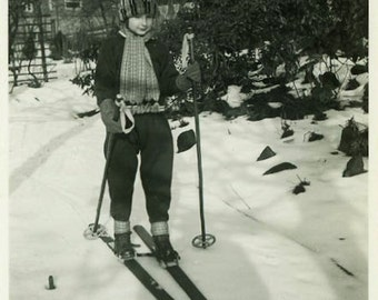 """Vintage Photo """"Christmas Ski Lessons"""" Mountain Sports Child Holiday Season Snow Weather Cold Old Skiing Snapshot Old Found Vernacular - 161"""