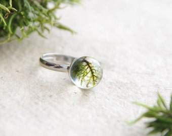 Forest moss ring for nature lover friend - unique gift idea - enchanted forest handmade resin ring with green moss
