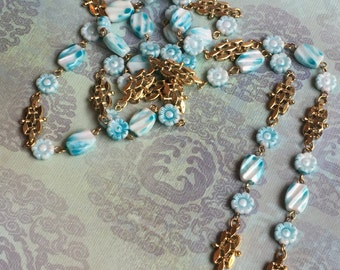 Vintage Resin Aqua / Teal  and Gold Toned Daisy Flower Necklace