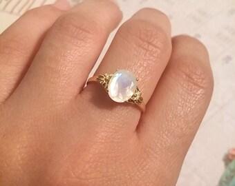 Oval moonstone silver ring, moonstone engagement ring, Vintage style ring, moonstone gold ring, moon stone ring, Oval Gemstone Ring, gift.