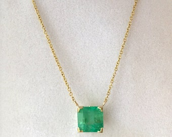 "2.05ct Emerald and 14K Yellow Gold Necklace with 18"" Chain"