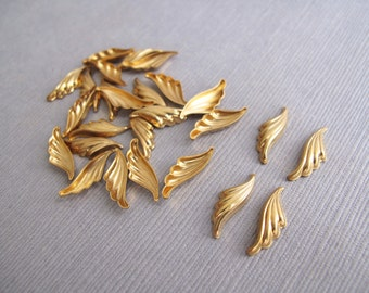 18pcs Brass Wing Shaped Embellishments, Brass Stampings 15x5mm - CB-53FVS-51
