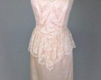 Peach, 1980s, Lace, Prom Dress // Women's 80s Costume, Bow, Bridesmaid Dress, Women's Size Small
