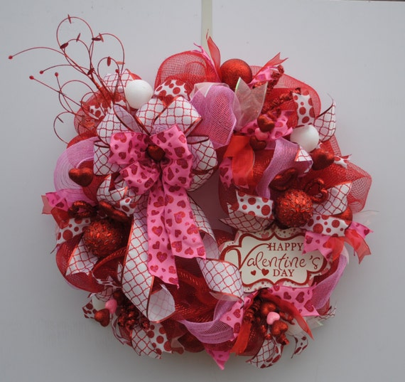 Your Front Door Will Sparkle With This Beautiful Valentineu0027s Day Deco Mesh  Wreath, Created With Red And Pink Deco Mesh And 5 Different Coordinating  Ribbons.