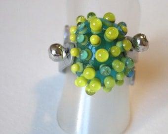 Green glass bead ring / Green Glass Bead Ring