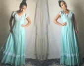 70s Light Green Prairie Maxi Dress // Prom Vintage Pastel Boho Festival Wedding Bridesmaid Dress // Size: XS