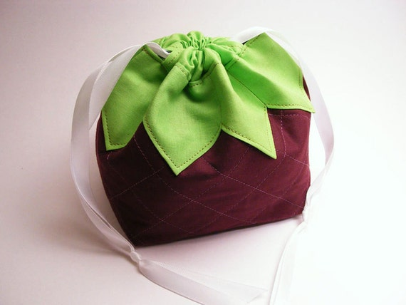A Boysenberry Named Pouchy - Drawstring pouch, omiyage, fruit, berry