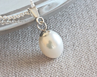 Freshwater White Pearl Necklace, Pendant Necklace in Sterling Silver